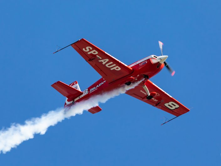 Extra 330LC (SP-AUP)