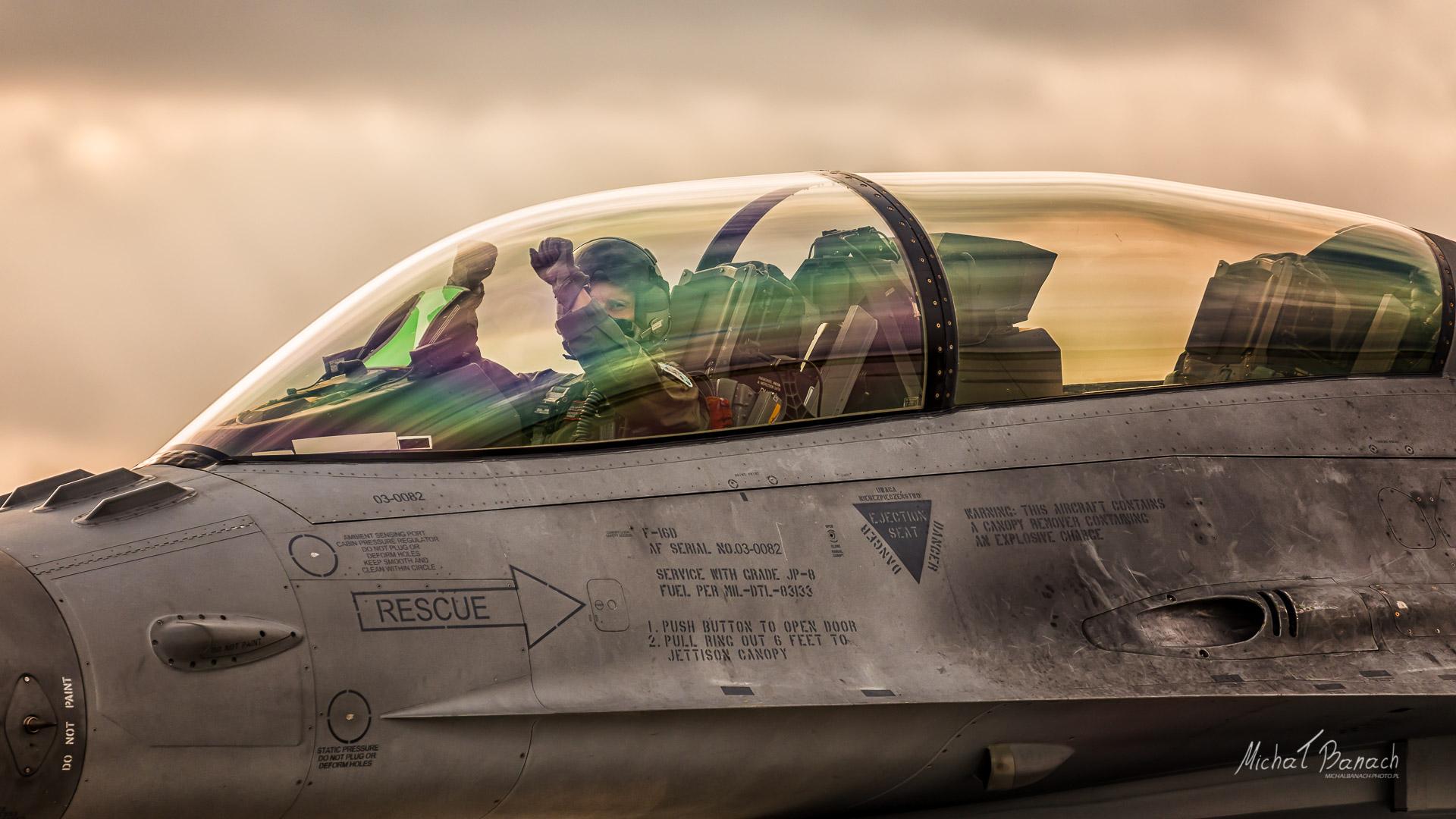 Lockheed Martin F-16D Jastrząb (4082)