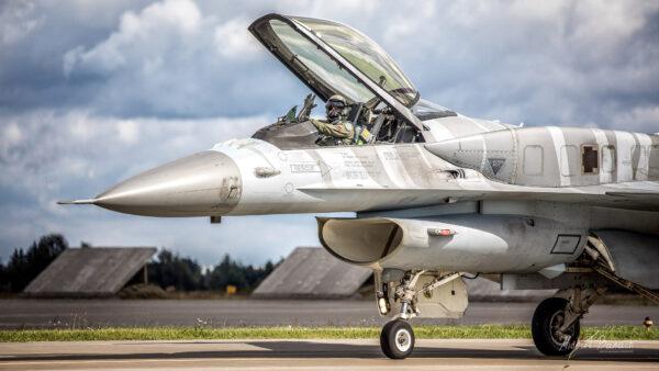 Lockheed Martin F-16C Jastrząb - Tiger Demo Team Poland (4056)