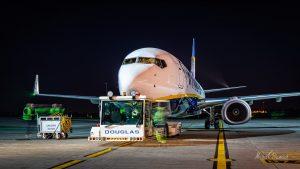 Boeing 737-8AS (EI-GDD)